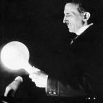 Nikola-Tesla-sa-lampom-150x150